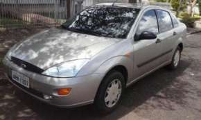 Vende-se Focus Sedan 2003 1.8
